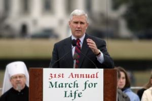 Pence_at_2004_March_for_Life_02